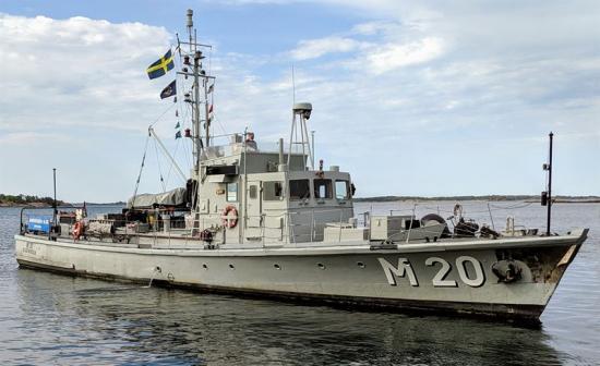 M 20 som är ett av Sjöhistoriska museets museifartyg, drivs och underhålls av Föreningen M 20. Tack vare föreningens engagemang har fartyget nu räddats och lämnar den 12 april dockan på Beckholmen för en ny säsong till sjöss.