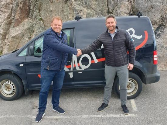Kåre Henning Åsly, vd Moi Rör och Roger Aksnes, affärsområdesansvarig Instalco Norge.