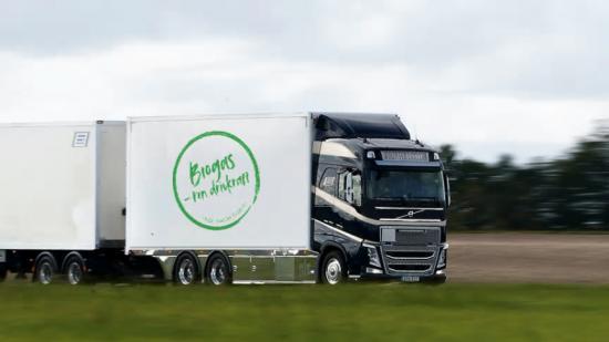 Flytande biogas är ett förnybart drivmedel med stor miljö- och klimatnytta för godstransporter.