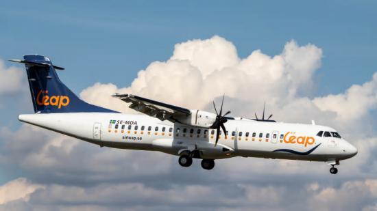 Air Leaps ATR 72 som tar upp till 72 passagerare.