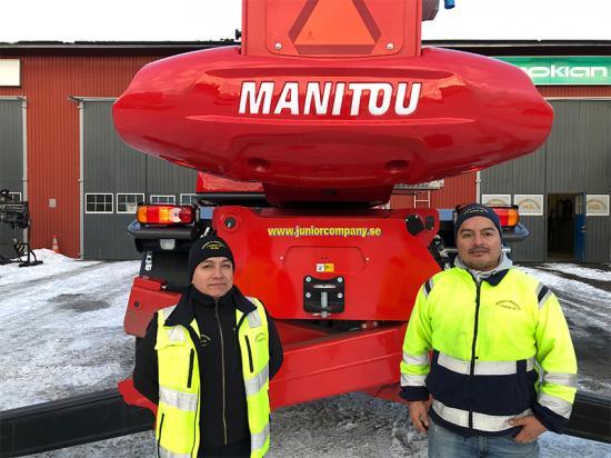 Daniel och Junior framför företagets tungviktare MRT3050.