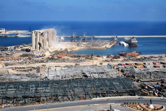 Hamnen i Beirut dagar efter den stora explosionen.