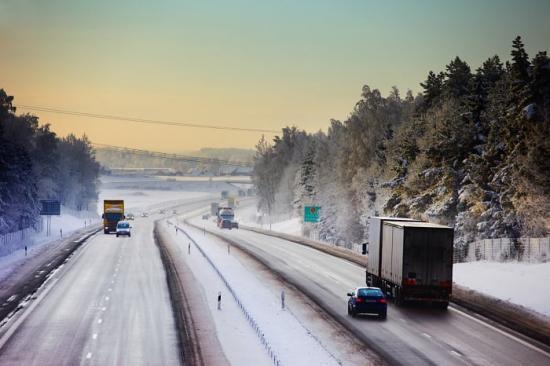 Transportstyrelsens beslut att tillfälligt tillåta dubbdäck till och med den 30 april 2020 gäller alla fordon.