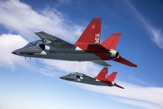 Saabs skolflygplan T-7A.
