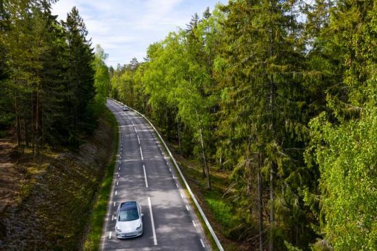 Rekordstor minskning av koldioxidutsläpp från nya bilar.