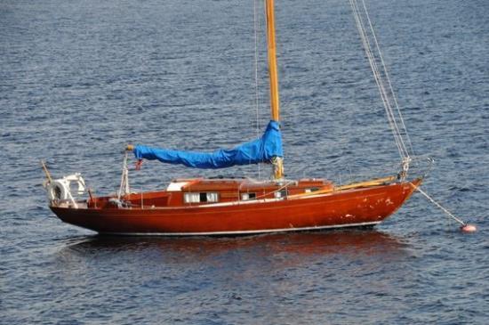 Havskryssaren Zerone är konstruerad av Olle Enderlein och byggd 1963 på Bröderna Martinssons Båtvarv på Orust.