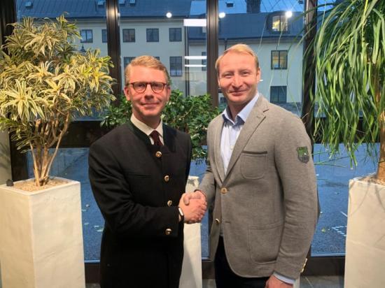 Kristoffer Tamsons (M), trafikregionråd i Region Stockholm och Pehr Granfalk, kommunstyrelsens ordförande i Solna.