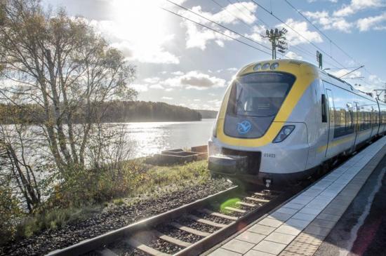 Tåg- och spårvagnstrafiken påverkas av underhållsarbeten i påsk.