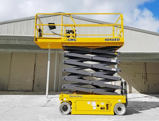Med en arbetshöjd på 14 meter befinner sig 4046-ED i den översta änden i GMG-serien av elektriska saxliftar.