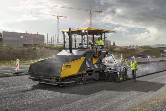 Volvo P8820D ABG asfaltläggare.