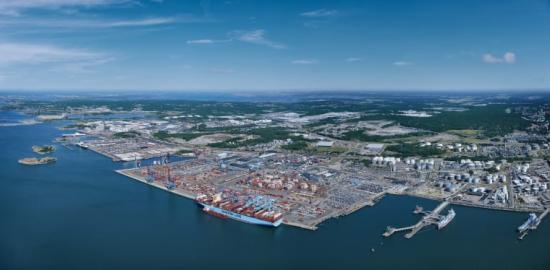 Containerterminalen i Göteborgs hamn.