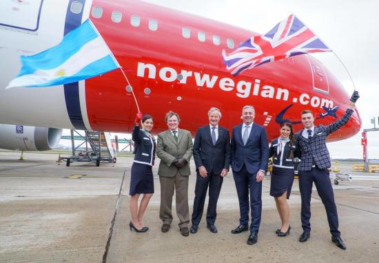 Lansering av Norwegians första flyg till Buenos Aires på London Gatwick.