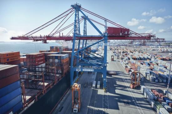 Trots coronapandemin har containervolymerna ökat i Göteborgs hamn.