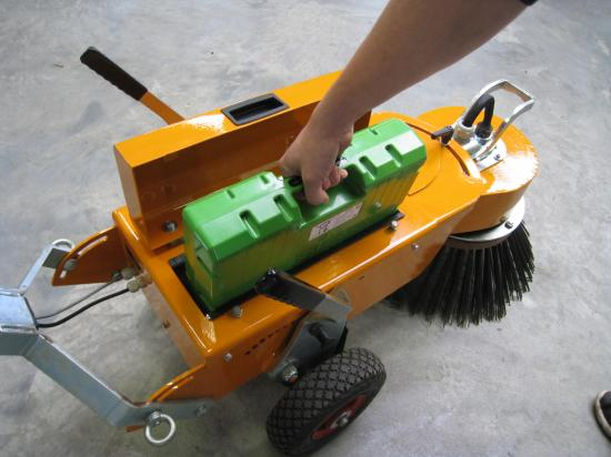 Uniktmed nya modellen är att den är batteridriven.