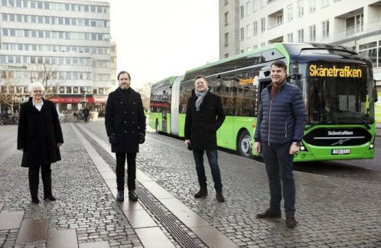 Carina Zachau (M), ordförande i Kollektivtrafiknämnden, Region Skåne, Ulf Welin, ställföreträdande trafikdirektör, Skånetrafiken Per Karlsson, affärschef, Nobina, Andreas Schönström (S), tekniska nämndens ordförande, Malmö.