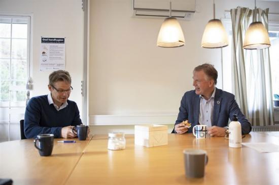 Christoffer Kennedy och Gunnar Hagman under projektbesök på Högsbo Specialistsjukhus.