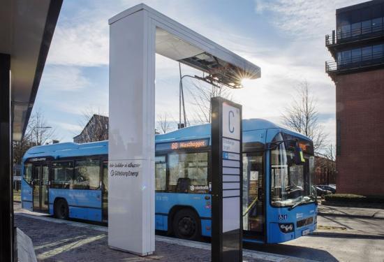 Bussarna på linje 60 i Göteborg kommer att laddas av fyra 300kW HVC-laddare (Heavy Vehicle Chargers), en modulär lösning för högeffektsladdning av tunga fordon från ABB.