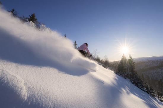 Nästa vintersäsong 2019-2020 blir det möjligt att flyga direkt till den nya flygplatsen i Sälen/Trysil, Scandinavian Mountains Airport från Köpenhamn, Aalborg och London.