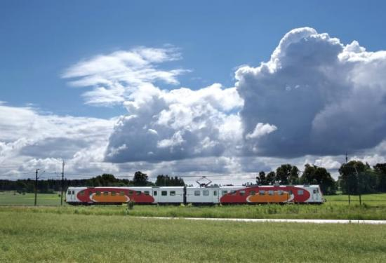 Antalet regionala resor på järnväg har ökat med fem procen mellan år 2016 och 2017.