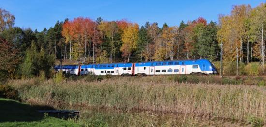 Överenskommelsen mellan Mälardalstrafik och SJ innebär att trafiken på de fyra Mälartågslinjerna kommer att rulla som vanligt i höst.