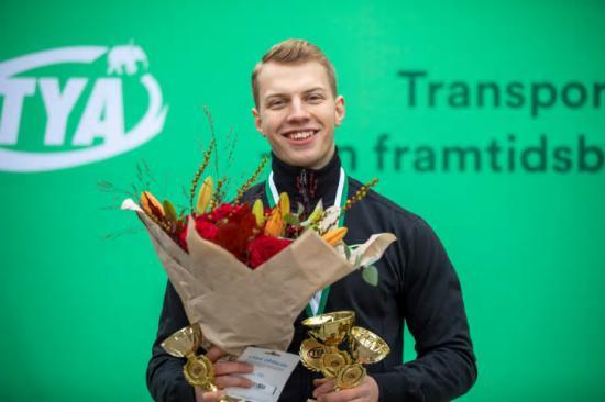 Emrik Gunnarsson från Mantorp vann SM för flygmekaniker. Nu väntar VM-mästerskapet World Skills i Shanghai.