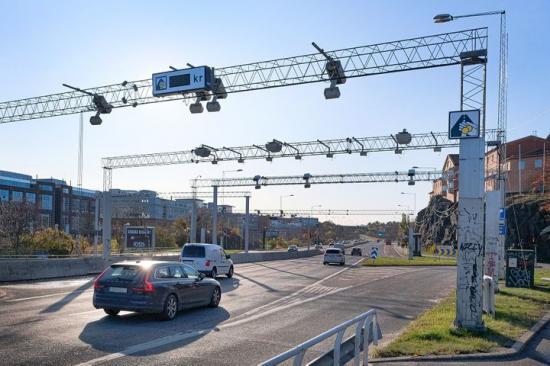Betalstation vid utfart Liljeholmsbron.