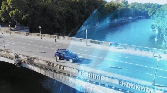 Stockholms innerstad har nu blivit en zon för automatisk elektrisk körning. Kör man in i zonen med en laddhybrid från BMW kommer bilen automatiskt ställa om till helt elektrisk och utsläppsfri körning med hjälp av geofencing (bilden är en illustration).