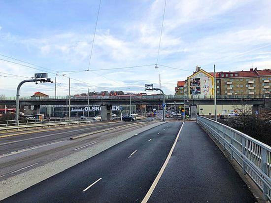 Anslutningsövergången till bron över E20 vid Olskroken i Göteborg kommer få ett transparent skydd från Hammerglass.