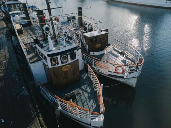 Svea af Bohuslän och Ellen af Bohuslän är två av båtarna som säljs på .PS.se.