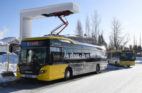 En av de befintliga ABB-pantograferna i Östersund.