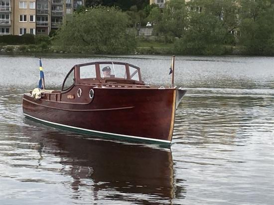 Den ruffade motorbåten Ofelia ritades av den välkände konstruktören Ruben Östlund 1931 och har genom åren främst använts i Mälaren och Stockholms skärgård