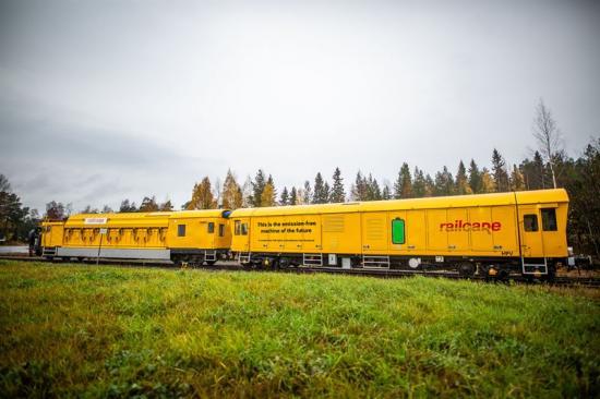 Epiroc samarbetar med ABB för att utveckla e-drivlinan för Railcares batteridrivna fordon för alla tillämpningar inom järnvägsunderhåll.