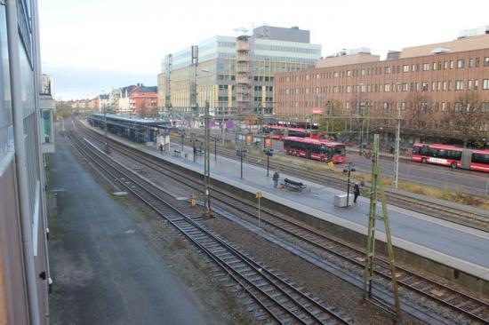 När järnvägen genom Sundbyberg byggts ut kommer tågen gå i tunnel genom stadskärnan.