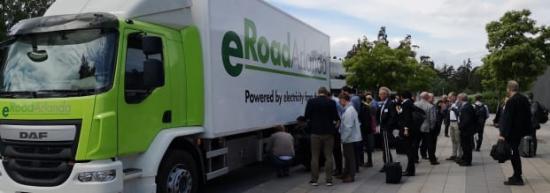 Den första helt eldrivna lastbil som tillåts köra på svenska vägar. Batteriet väger 600 kilo och räcker 80 kilometer utan laddning.