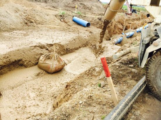 Produkten hälls ut i rörgraven.