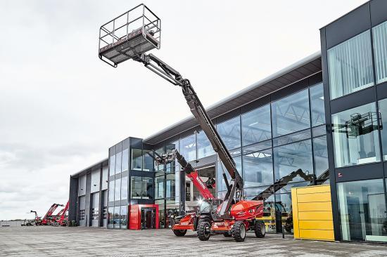 """Det är knappt ett år sedan, Scantruck och Söderberg & Haak öppnade varsitt maskincenter på den gemensamma adressen i Rosersberg norr om Stockholm. Nu slår bolagen upp dörrarna igen, men den här gången för den första """"Maskinmässa Rosersberg""""."""