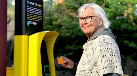 För att resa till rabatterat pris behöver resenären ställa in betalkortet på sl.se en dag före första resan.
