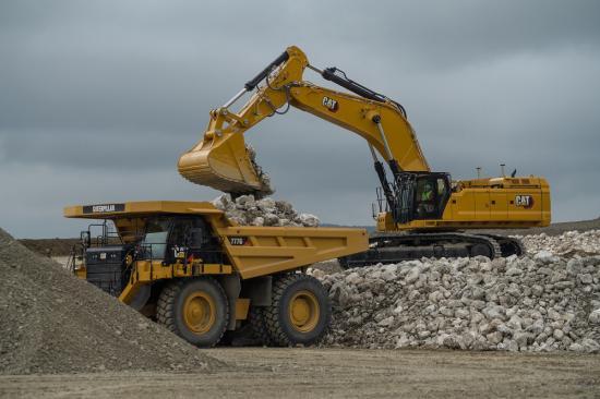 Nya grävmaskinen Cat 352.