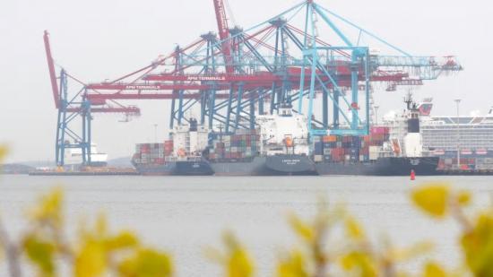 6000 fartyg anlöper Göteborgs hamn varje år. Genom ny teknik ska anlöpen bli effektivare och klimatsmartare.
