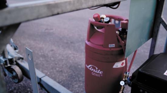 Den nya GENIE-flaskan innehåller 45 procent mer gas än traditionella stålflaskor och väger bara 22 kilo.