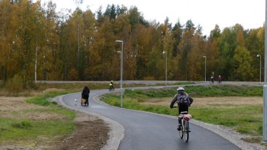 Invigning av gång- och cykelvägen vid Backgårdsskolan i Norrfjärden.