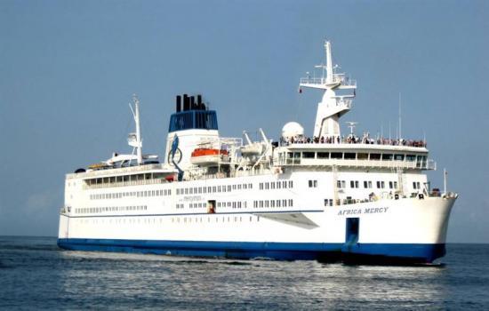 Consilium Marine & Safety AB inledde ett samarbete med välgörenhetsorganisationen Mercy Ships redan 2015. Nu ska ytterligare en Consilium-anställd få åka ner till skeppet och vonontärarbeta.