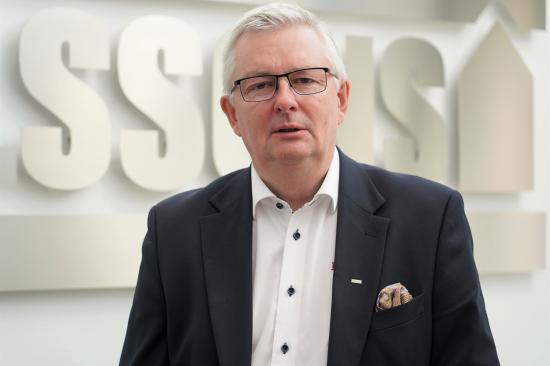 Christer Ohlsson, grundare av Ohlssons AB, lämnar nu över stafettpinnen som VD men kommer fortfarande sitta som styrelsens ordförande i samtliga koncernbolag.