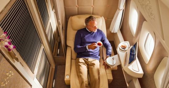 När flygbolaget Emirates nu lanserar en helt nya förstaklass-kabin i sina Boeing 777, är det med en klar känsla av Mercedes-Benz.