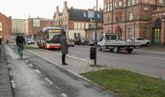 Gata och cykelväg i Jönköping.
