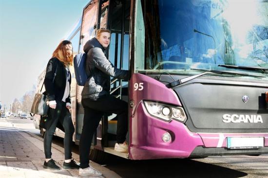 Skellefteås ungdomar får sänkta priser på bussåkande.