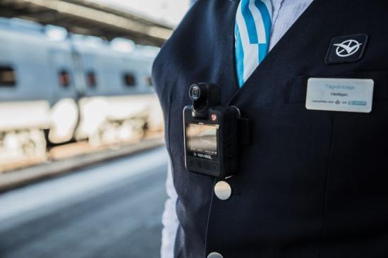Tågvärdar på Västtågen börjar bära kroppsburen kamera från den 18 mars.