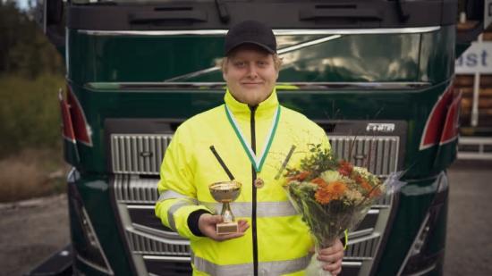 Edwin Hansson går tredje året på inriktning transport på Uddevalla gymnasieskola. Han vann dagens kvaltävling i Uppsala.