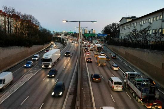 Det behövs kraftfulla insatser för att förbättra trafiksäkerheten.