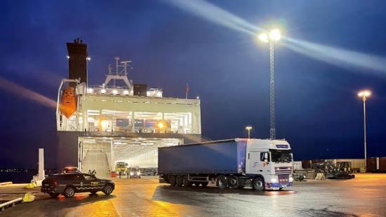 Första lastbilen att anlända från Storbritannien till terminalen efter Brexit.